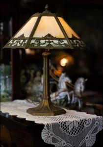 1920's Art Deco Lamp 1000px